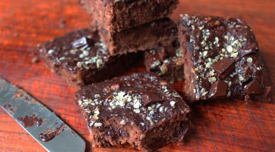 Brownie vegano de chocolate com banana